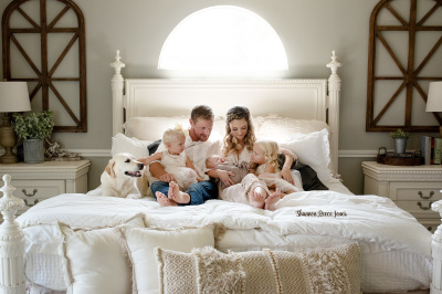 Lifestyle Newborn Session with Clare and Grace Designs and Shannon Reece Jones Photography